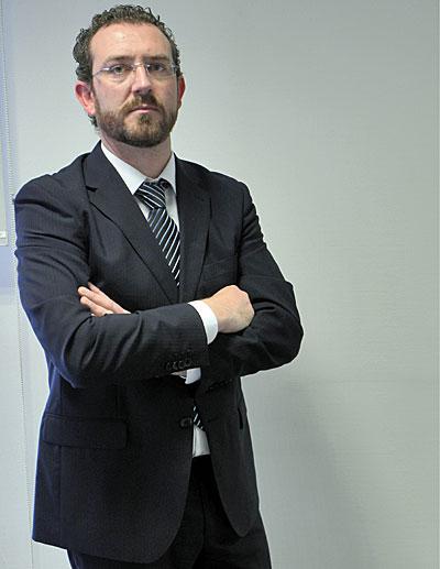 Estanislao Folgado, vertical
