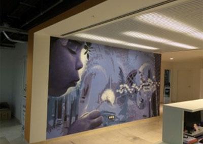 Mural de arte urbano (grafiti) que representa los valores y filosofía de la compañía.