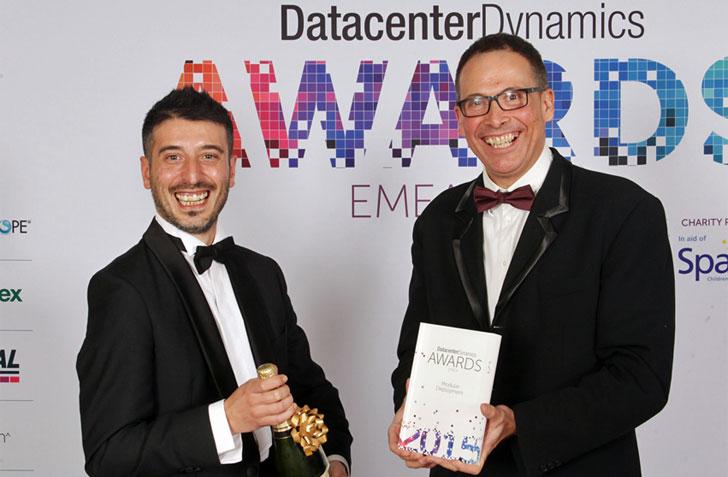 Entrega premio DataCenterDynamics