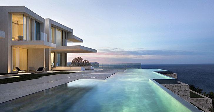 Vista lateral con piscina de Casa Sardinera