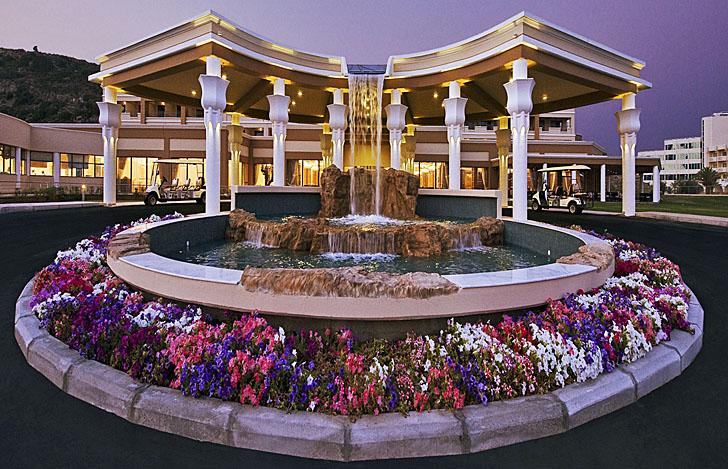 Entrada al Hotel La Marquise en la isla de Rodas, Grecia
