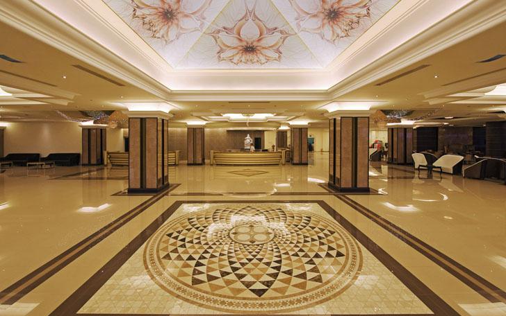 Recepción del Hotel La Marquise en la Isla de Rodas, Grecia