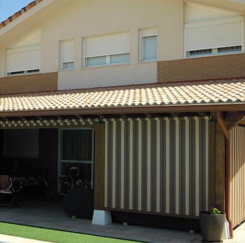 Toldos automatizados para la seguridad técnica en esta vivienda con Sistema Smart Home de Loxone