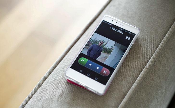 Smartphone para el control remoto de la Casa Pasiva