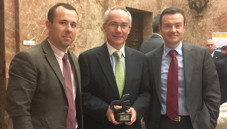 Representantes del EREN reicibiendo un accésit del Premio a la Innovación en la Gestión 2015, otorgado por el Ministerio de Hacienda y Administraciones Públicas