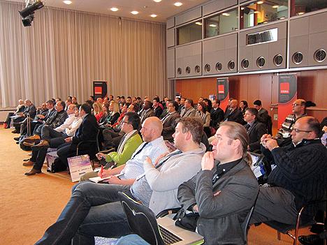 Asistentes muy diversos al Smart Building Conference