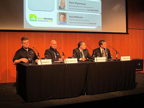 Mesa Redonda sobre el futuro de las interfaces de usuario para el control de edificios