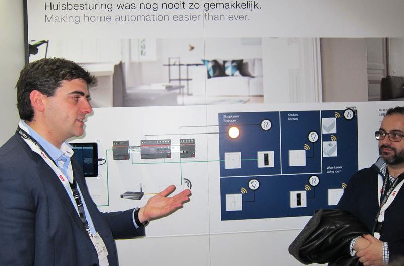 Xabier Peña, jefe de producto de ABB España, explicó las particularidades de Free@home.