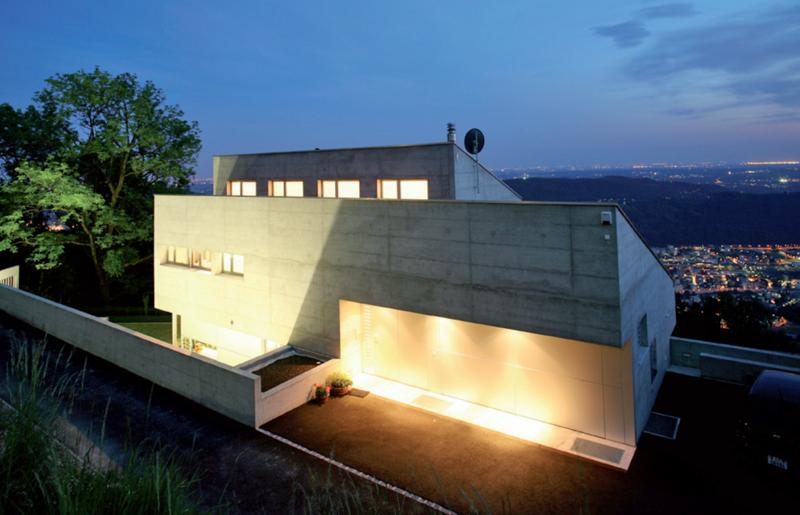 Iluminación exterior en una vivienda