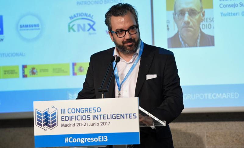 Carlos Lahoz, en la inauguración del III Congreso Edificios Inteligentes
