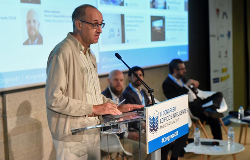 Eloy Algorri en la inauguración del III Congreso Edificios Inteligentes.