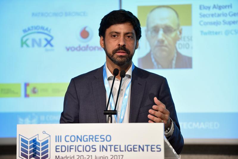Francisco Javier Martín en la inauguración del III Congreso Edificios Inteligentes