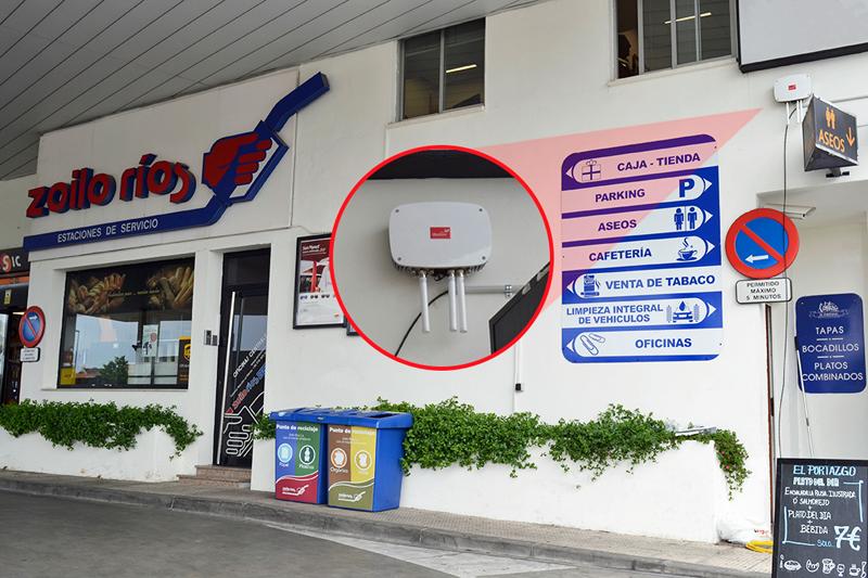Router Meshlium instalado en el interior de la gasolinera