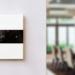 Basalte presenta una nueva versión del interruptor táctil Deseo para el control de climatización