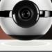 Una cámara de vídeo IP que levita sobre una base y controla el hogar inteligente