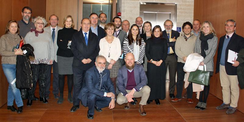Foto familia del Comité Técnico del IV Congreso Edificios Inteligentes, reunido el pasado 8 de febrero en COAM.