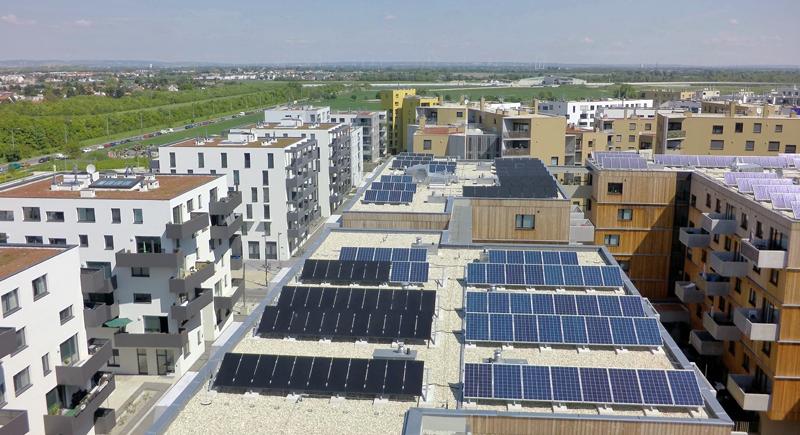 Placas fotovoltaicas en edificio de Aspern