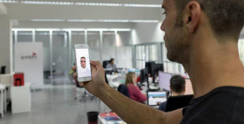 App biométrica de reconocimiento facial de Gradiant
