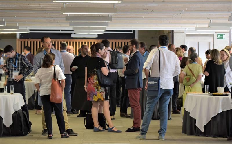 Networking durante la comida en el IV Congreso Edificios Inteligentes