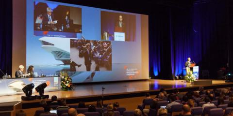 El Palacio de Congresos de Valencia, equipado con las tecnologías inteligentes DICENTIS y OMNEO de Bosch