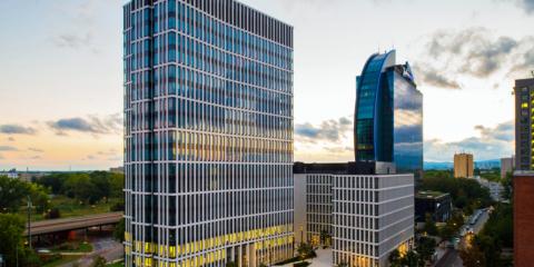 Los sistemas de control de iluminación de St Martin Tower en Frankfurt permiten optimizar la gestión del edificio