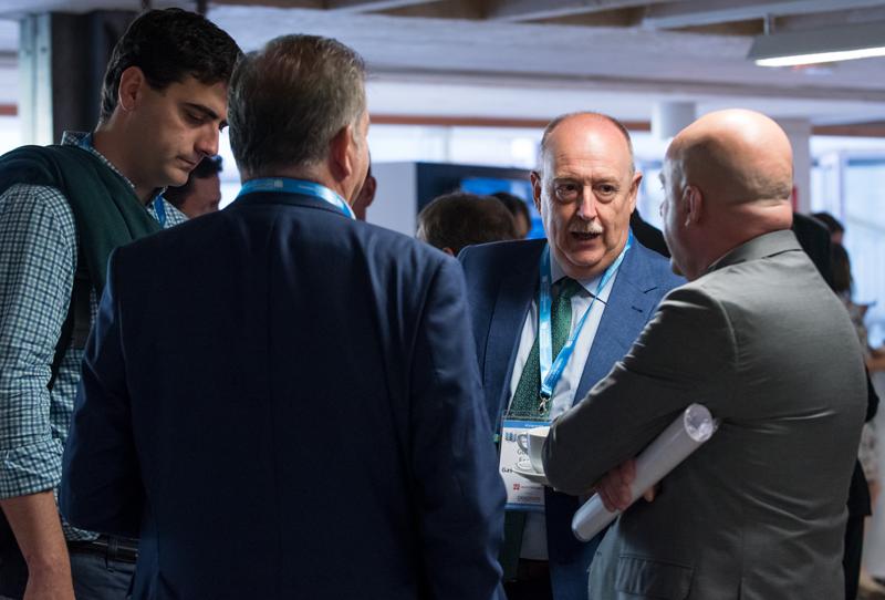 Detalle Networking en Pausa de Café en el IV Congreso Edificios Inteligentes