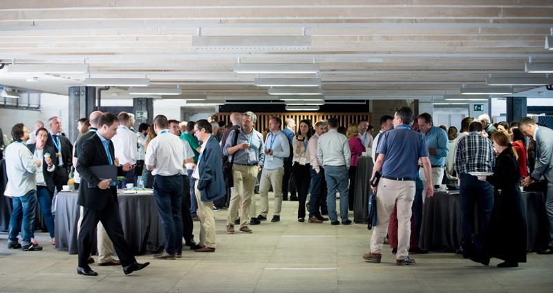 Pausa de Café en el IV Congreso Edificios Inteligentes en el COAM
