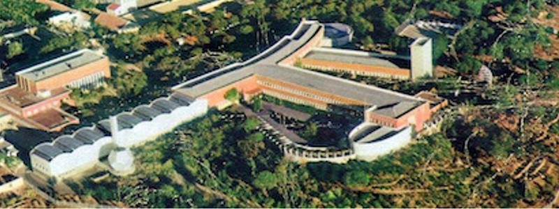 Exterior del Instituto de ciencias de la construcción Eduardo Torroja