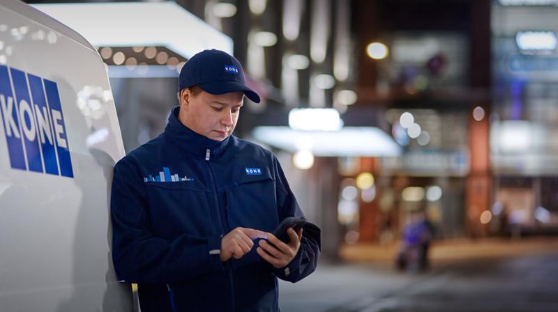 Figura 3. Los técnicos reciben en su dispositivo móvil las necesidades de servicio identificadas por IBM Watson.