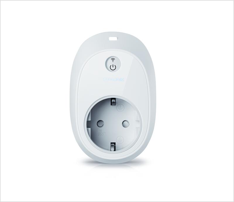 Este enchufe inteligente HS110 permite monitorizar toda la información del consumo eléctrico de los diferentes dispositivos conectados.