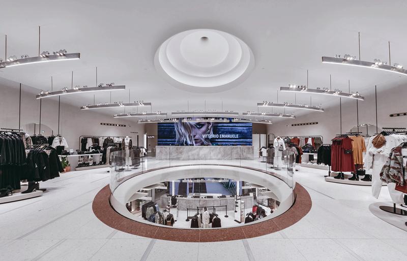 Zara incorpora nuevas tecnologías en su flagship de Milán para mejorar la experiencia de compra.