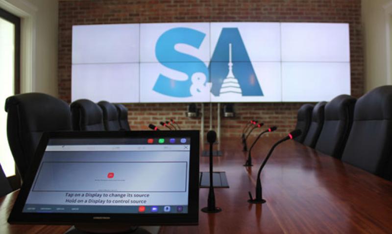 El sistema de conferencia de Advanced tiene conectividad Wi-Fi y sistema de grabación.