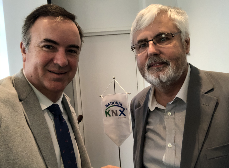 Álvaro Mallol junto a Franz Kammerl, Presidente de KNX Internacional, en el evento Oct 2018 KNX Internacional.
