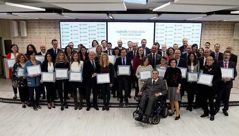 El ayuntamiento de Antequera ha sido reconocido por la instalación de balizas inteligentes que permiten la orientación de las personas con discapacidad auditiva.