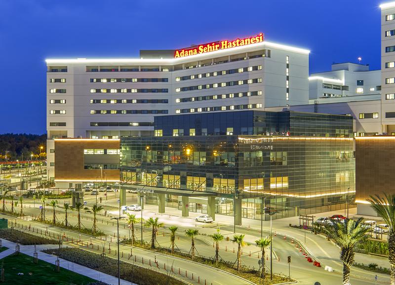 Adana Integrated Health Campus es un complejo hospitalario que se compone de tres clínicas especializadas y está ubicado en Adana, Turquía.