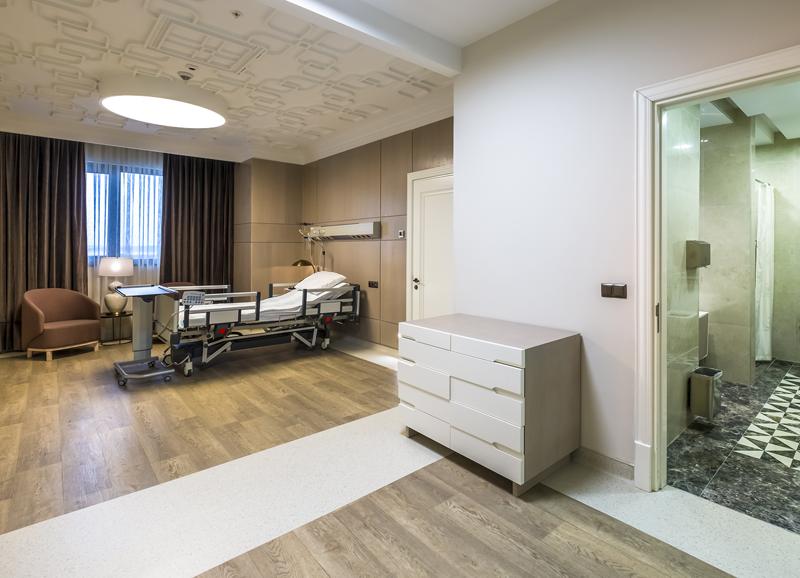 Todo el complejo hospitalario tiene una capacidad total de 1.550 camas.