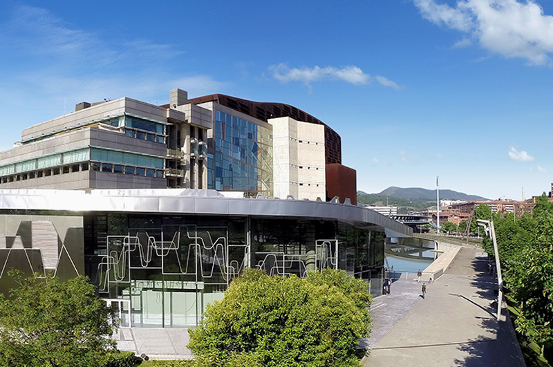 El Palacio Euskalduna y el Ayuntamiento de Bilbao comparten la red Wi-Fi municipal Bilbao WiFi.