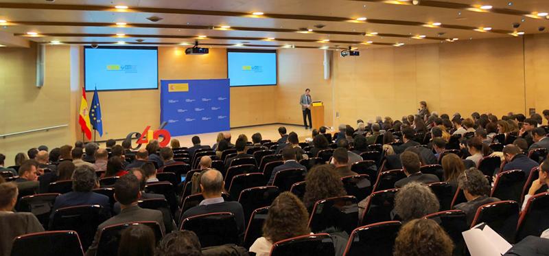 El ministro Pedro Duque anuncia el comienzo del Programa Cervera para pymes y centros tecnológicos.