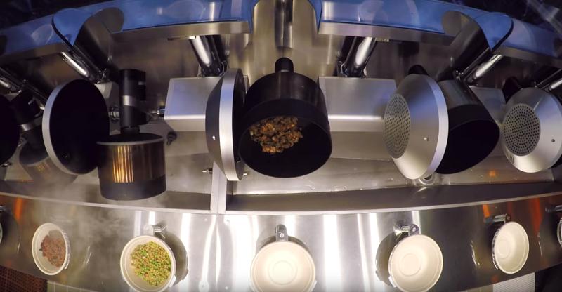 La cocina calibra la temperatura y la cantidad de ingredientes que incorpora en el plato para conseguir la ración ideal.