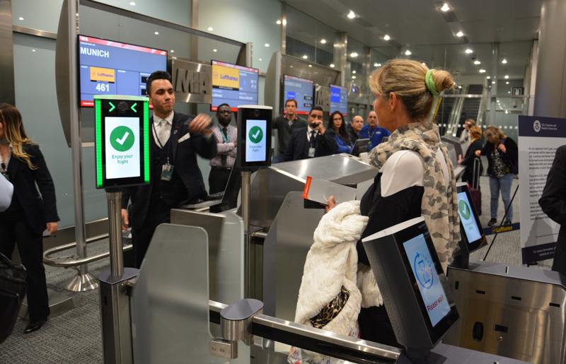 La compañía aérea Lufthansa ha sido la primera en incorporar la biometria en sus vuelos de Miami a Munich.