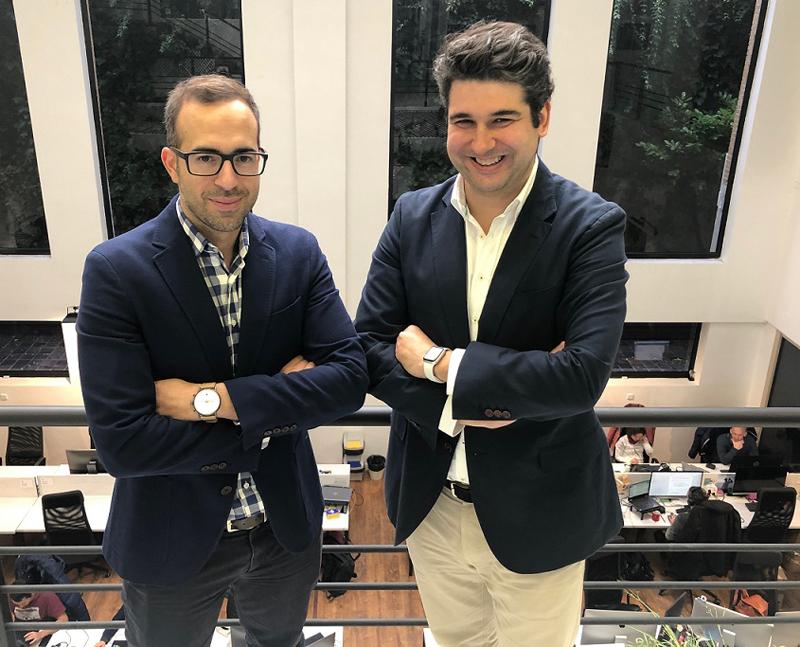 Alex Bryszkowski (izquierda) y Juan Ederra (derecha) fundadores de la primera red LoRa de España.
