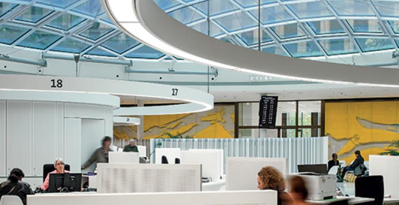 El Ayuntamiento de Friburgo en Alemania se ha convertido en el primer edificio con energía positiva neta.