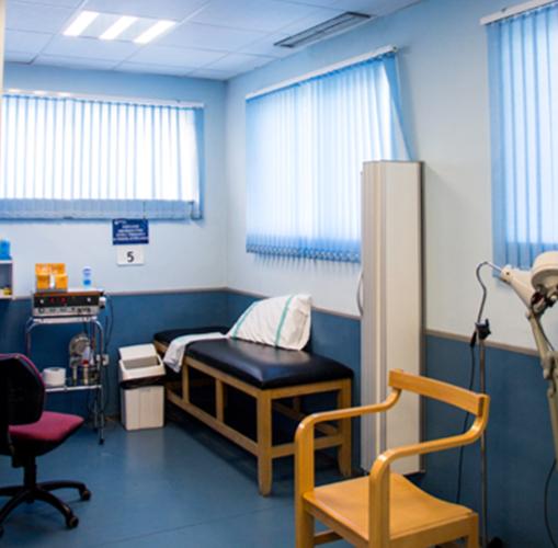 El Hospital Virgen de Altagracia ha cambiado su iluminación de fluorescentes por pantallas con tecnología Led para reducir el consumo de energía.
