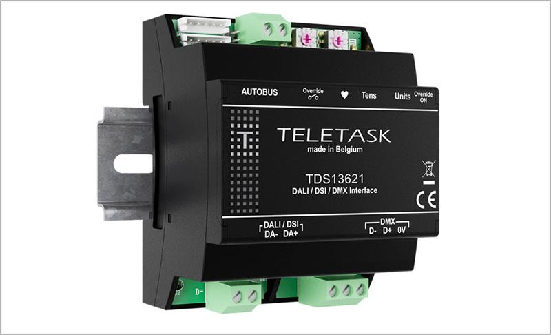 La interfaz Autobus compatible on los protocolos DALI, DSI y DMX permiten automatizar la iluminación monocromática, duotono y multicolor.