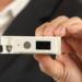 Ahorro de energía en los edificios conectados con los interruptores automáticos inteligentes de Amber