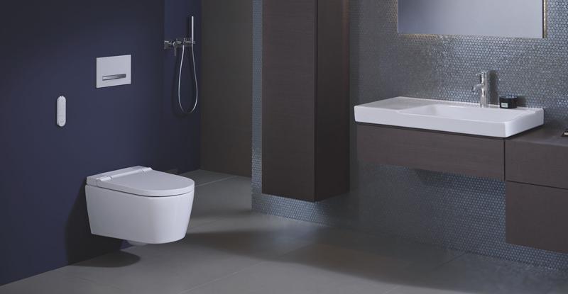 EL nuevo inodoro-bidé Aqua Clean Sela de Geberit permite guardar la configuración para aplicarlos en otros inodoros de la marca.