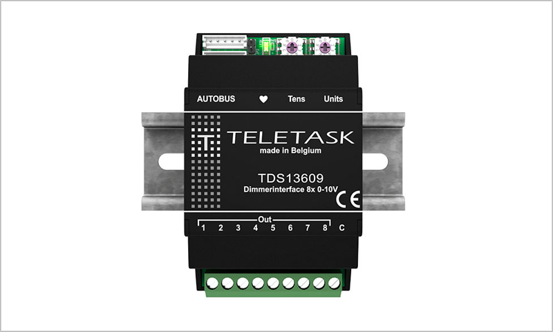 La interfaz Autobus de Teletask incorpora ocho salidas analógicas de 0-10V.