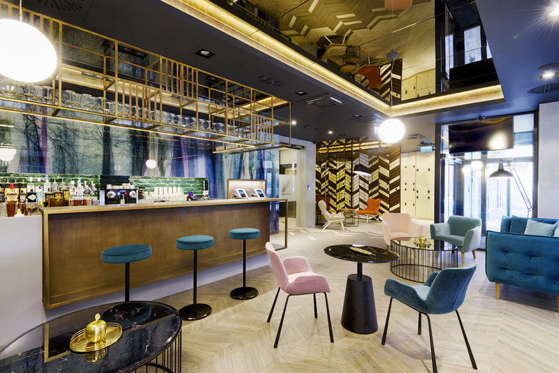 El hotel inteligente KViHotel Budapest ha implementado la tecnología de TMRW para proporcionar a sus clientes una estancia automatizada.