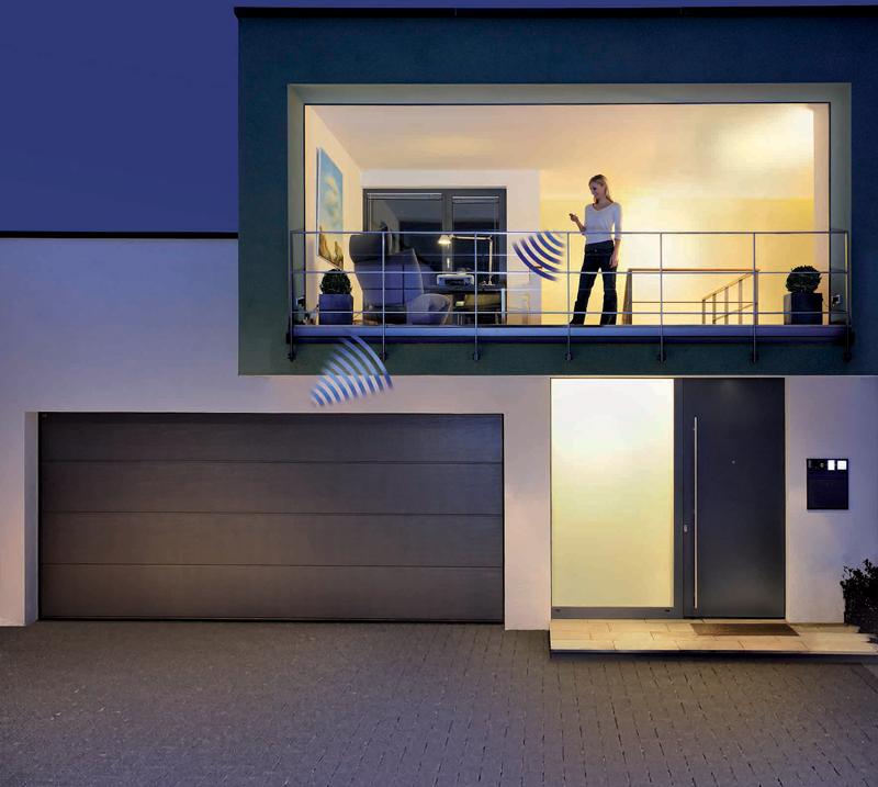 La nueva aplicación de Hörmann permite a los propietarios gestionar sus puertas desde cualquier lugar.