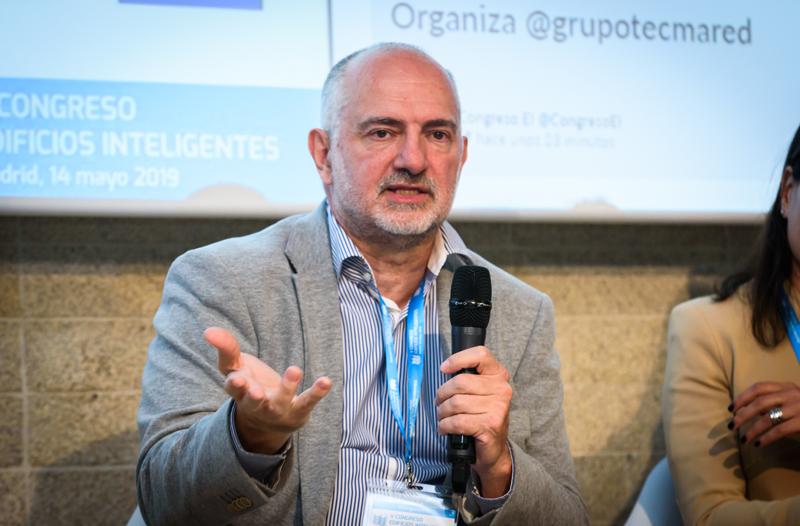 José González, de Sistrol, durante su intervención.